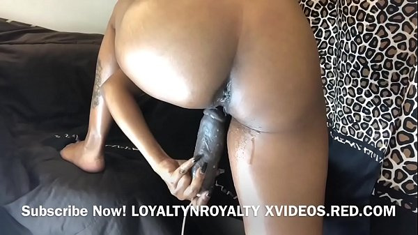 Slut Needs 2 SQUIRT ALL THA TIME!