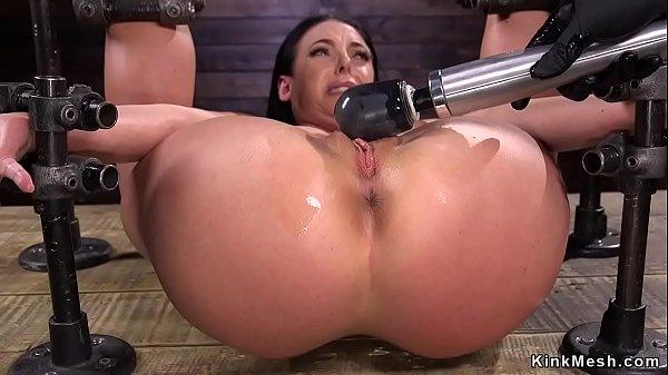 Tied huge tits slave in device bondage