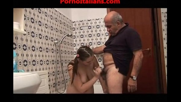 ragazza troia scopa con vecchio porcoslutty girl fucks with old pig Thumb