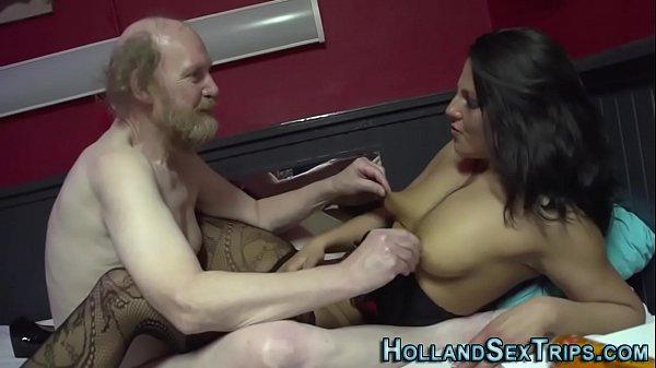 Amateur hooker gets fuck