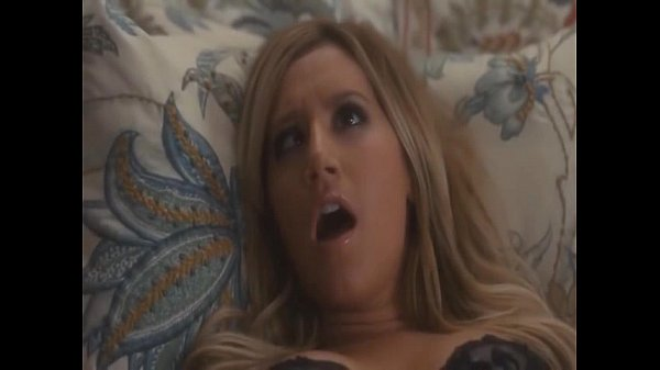 Ashley Tisdale filmy erotycznekogut do dużego, aby ssać
