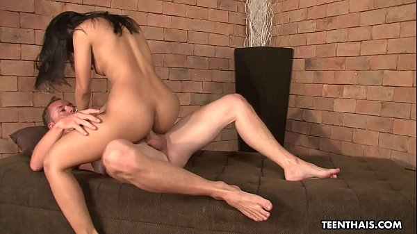 Electric and slim brunette sex bomb Thai babe r...