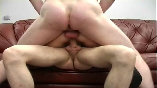 Great BJ Extended-Hot foreign chick gets under bar and shows her carnal talents