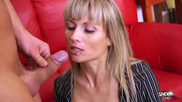 Ritch bitch with stunning body eat cum with pleasure Thumb