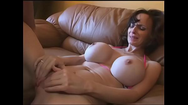 horny mothers - DEALINGPORN.COM Thumb