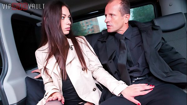 VIP SEX VAULT - Amazing Russian Babe Arwen Fucks Hard In Traffic With Her Cabby Thumb