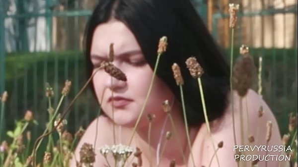 (POV) FUCKING A BEGINNING PORN ACTRESS (EVA HORNBALL)
