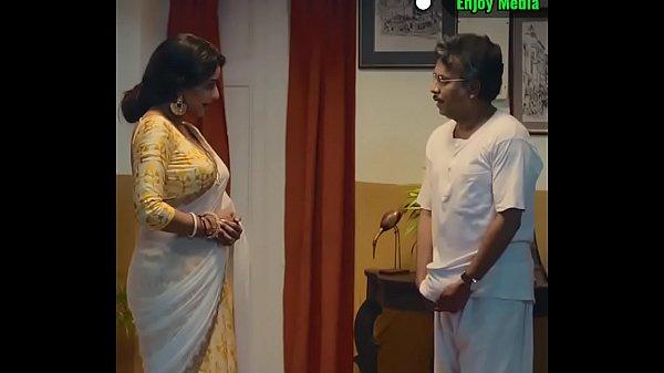 হট সেক্সি বৌদি ঠাকুরপোর সাথে রোমাঞ্চ।
