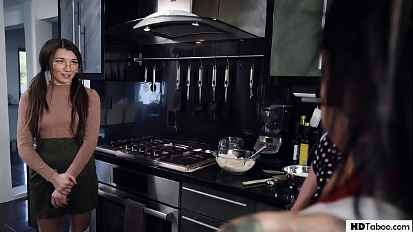Geek Girl Having Lesbian Sex With Roomie's Girlfriend - Maya Woulfe, Aiden Ashley Thumb