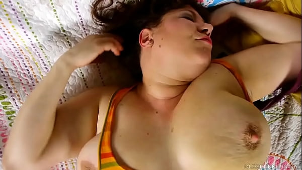Mature BBW talks dirty about first threesome wh...