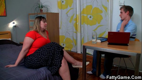 Fatty seduces the young man with ease