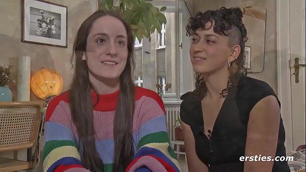 Lexi und Katie A. mögen's Rosarot…