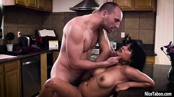 Confused Latina Aryana Amatista got used by dir...