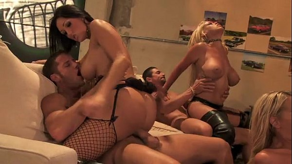 Group fuck fest with several babes