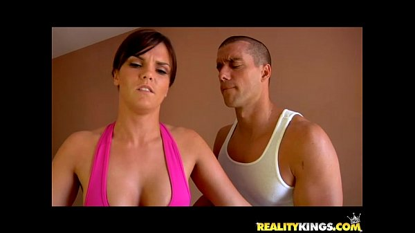 Mackenzee Pierce gets her sweet pussy pounded by Ramon's rod Thumb