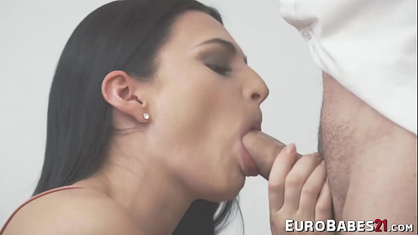 Kinky Euro babe Leanne doggystyle banged after deepthroat