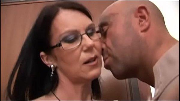 סרטי סקס Milf with glasses wants hard cock