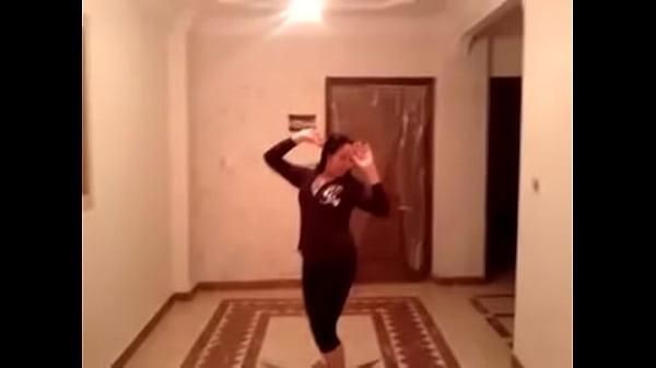 زينب شرموطة امبابة رقص و هيجان 2