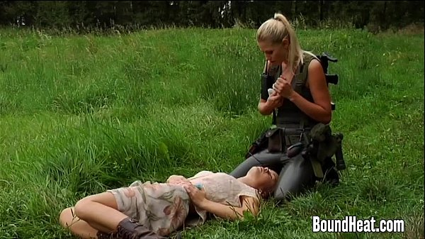 Lesbian Huntress Caught Young Brunette In The W...