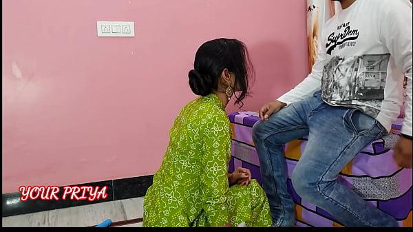 मालिक ने नौकरानी को पैसे देकर चुसवाया और चोदा | हिंदी में Role-play close-up sex । साफ हिंदी आवाज़ में