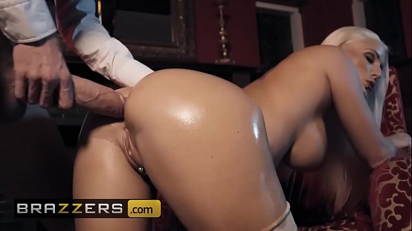 Big Wet Butts - (Blanche Bradburry, Danny D) - First Class Ass - Brazzers Thumb
