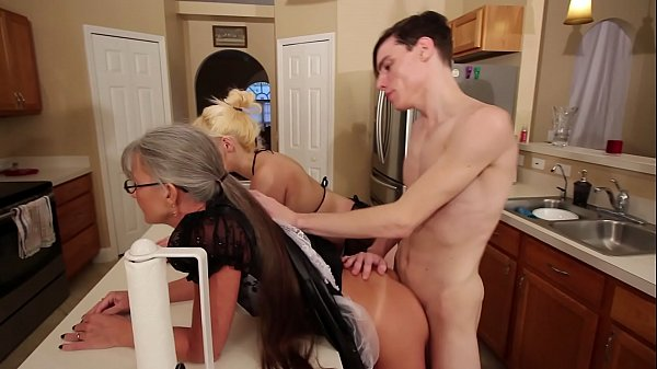 Mom and Stepsis Threesome after brainwash - Lei...