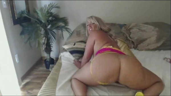 Sexy Californian Milf Pwag Shake on live Cam