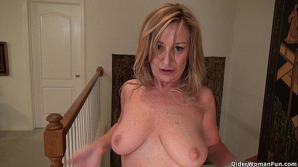 American milf Sally Steel lets you enjoy her la...
