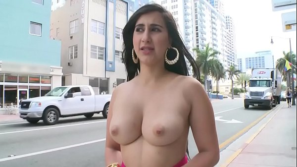 BANGBROS - Young PAWG Valerie Kay On The Streets Of Miami Beach Giving The World A Show Thumb