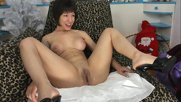 Sofi fucking pussy in mules