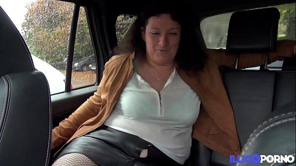 Sophie vient de divorcer et cherche de la jeune...