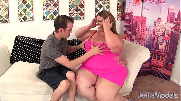 Heavy weight BBW Erin Green riding a fat cock.