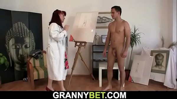 Pretty mature paintress rides his cock