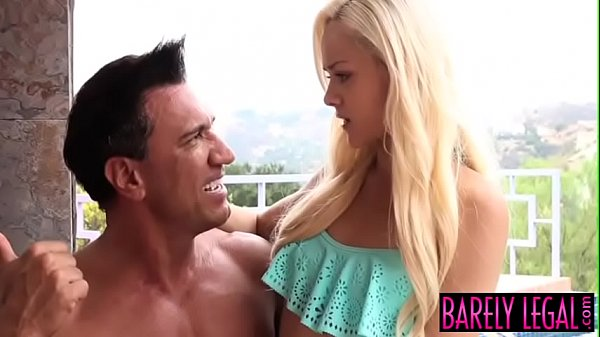 Angelic teen Elsa Jean services facializing coc...