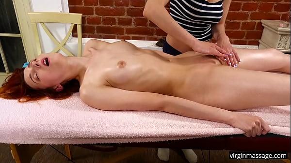 Hot virgin redhead Elvira Nunah orgasms from oil massage