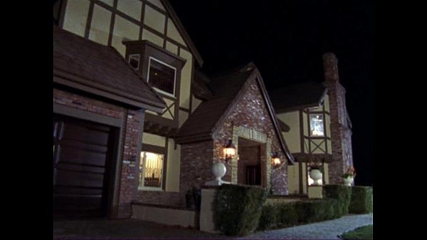 Black Tie Nights S01E08 Makeover (2004)