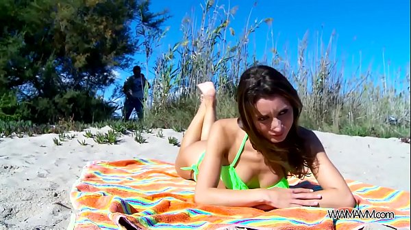 Perfect babe fuck on public beach without any problem with stranger Thumb