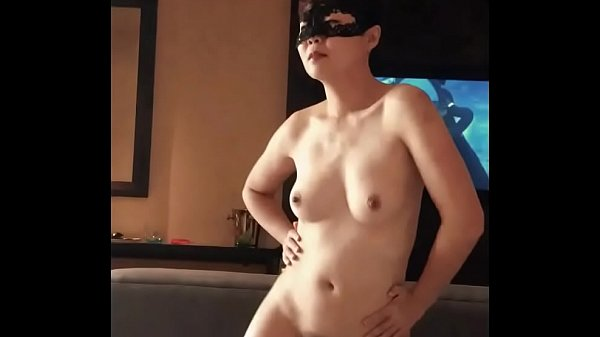 Horny Samantha slut dancing