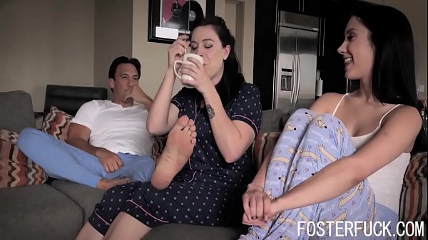 s. Daddy Surprise Fucked By Daughter- Jazmin Luv