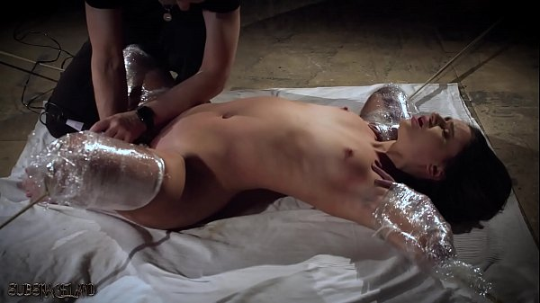 Rough bondage slapping her pussy and the slave screams Thumb