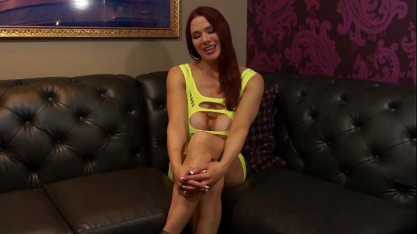 Kylee Nash is Your Stepmom Who Wants Your Cum  thumbnail