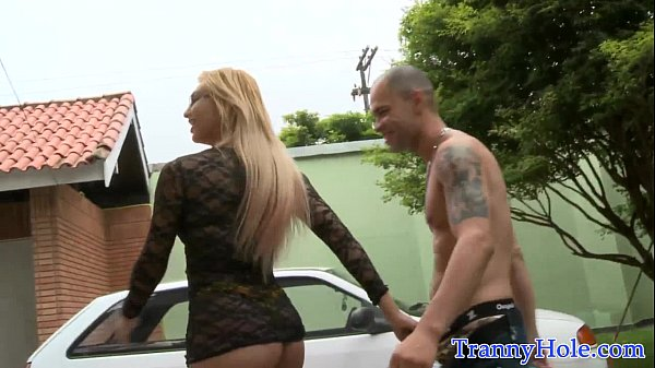 Bigtitted tranny amateur riding on cock