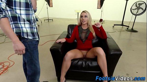 Foot worshipped slut fuck