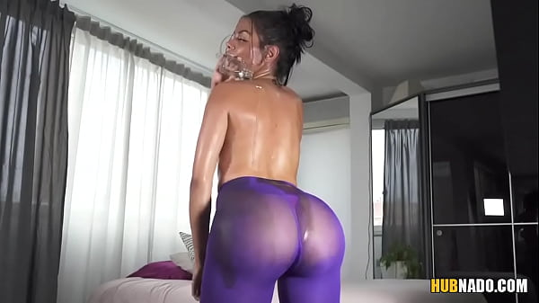Bootylicious Latina Canela Skin plays with some toys