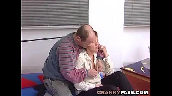 German Mature Slut Earns Some Extra Money