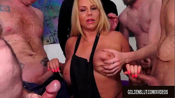 Big Tits Mature Barista Karen Fisher Gets a Fiv...