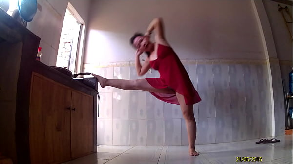 Wife Loves Exercise AEROBIC (BX Tập Thể Dục AEROBIC 1)