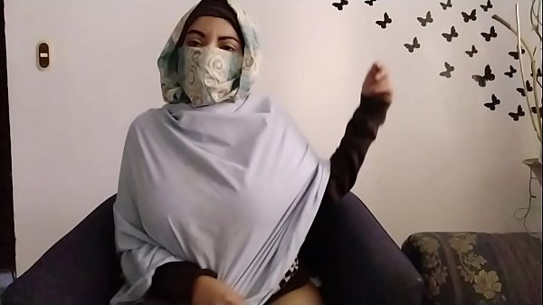 Real Arab In Hijab Mom Praying And Then Masturb...