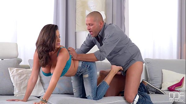 The Perfect MilF - Sensual Jane sucks, fucks an...