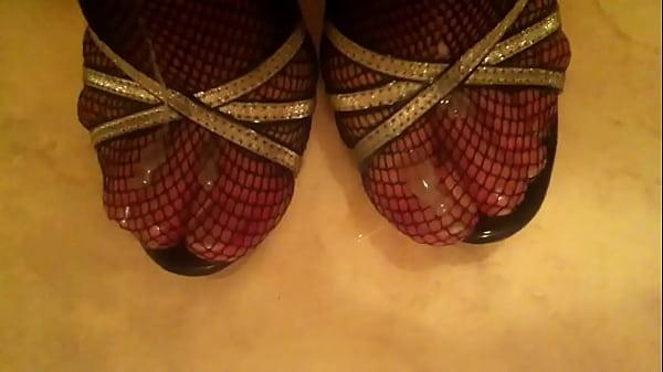 Cum on sexy High Heels Fishnet Stockings Thumb